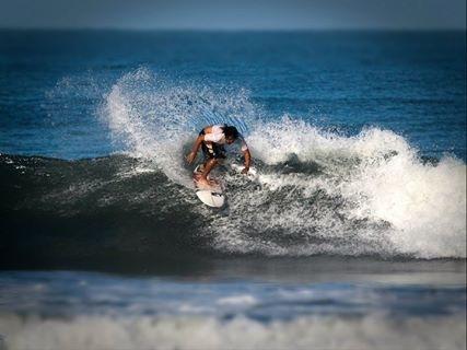 smm_interview_CarlosSanchez_surfing