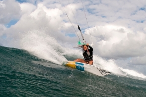 Kite Surfing with a Marine Biologist: MelissaGil
