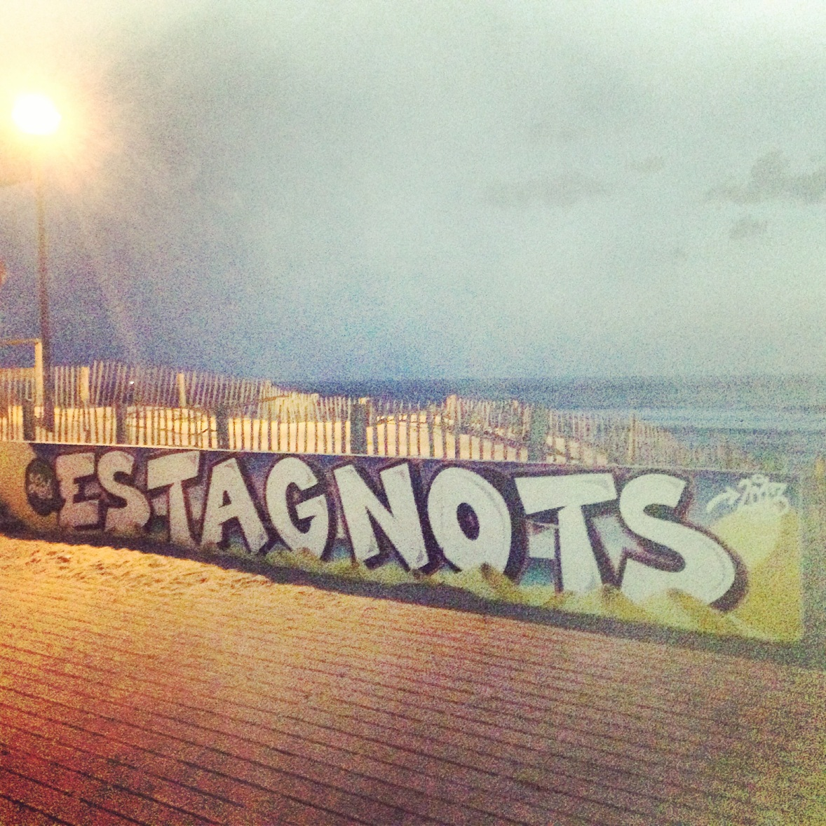 After my last night at Hossegor, we visited this famous surf spot, Les Estagnots and met a surfer from Australia on a camping car and others from all over the world.