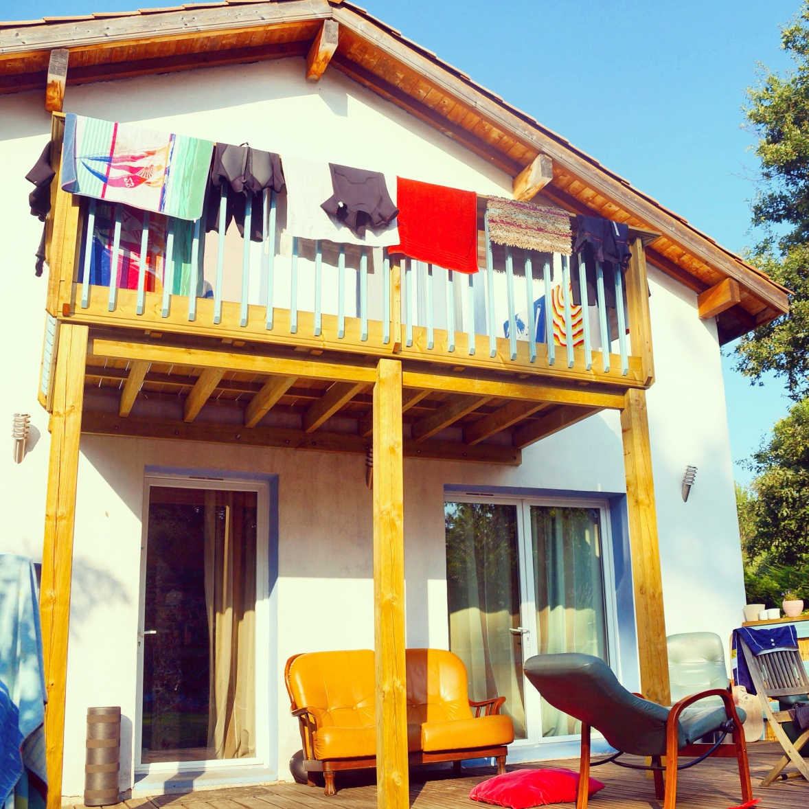 Shifting Sand's friendly Surf House for surfers and vacationers